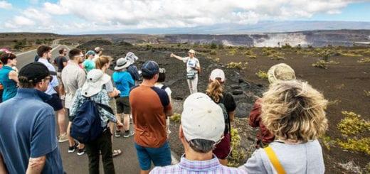 big-island-volcanoes-national-park-visitors