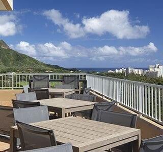 aston-waikiki-beach-hotel-club-floor